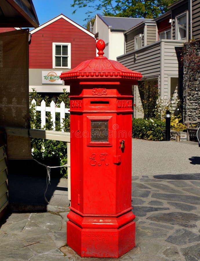 Uitstekende Rode Postbus, Brievenbus royalty-vrije stock foto