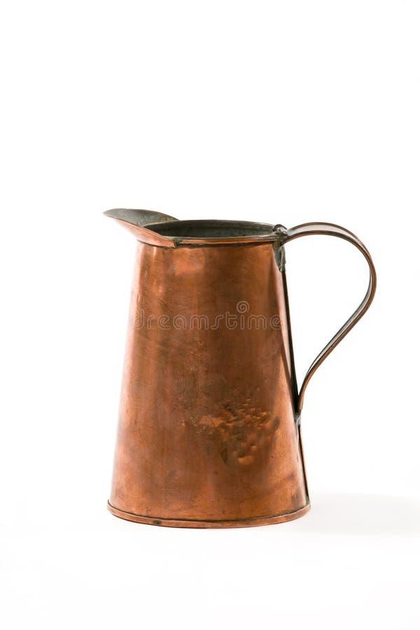 Uitstekende Rusty Old Fashioned Water Copper-Waterkruik stock foto