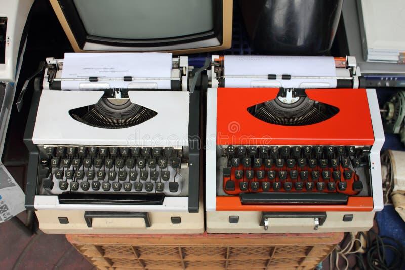 Uitstekende schrijfmachines stock foto's