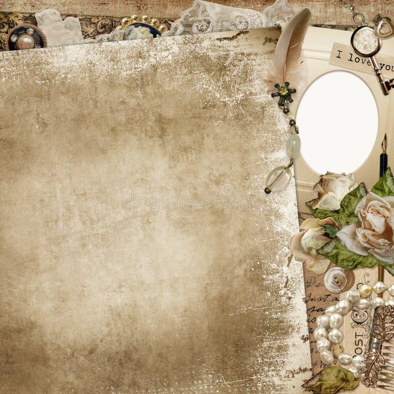 Uitstekende sjofele achtergrond met kader, langzaam verdwenen rozen en retro decoratie royalty-vrije illustratie