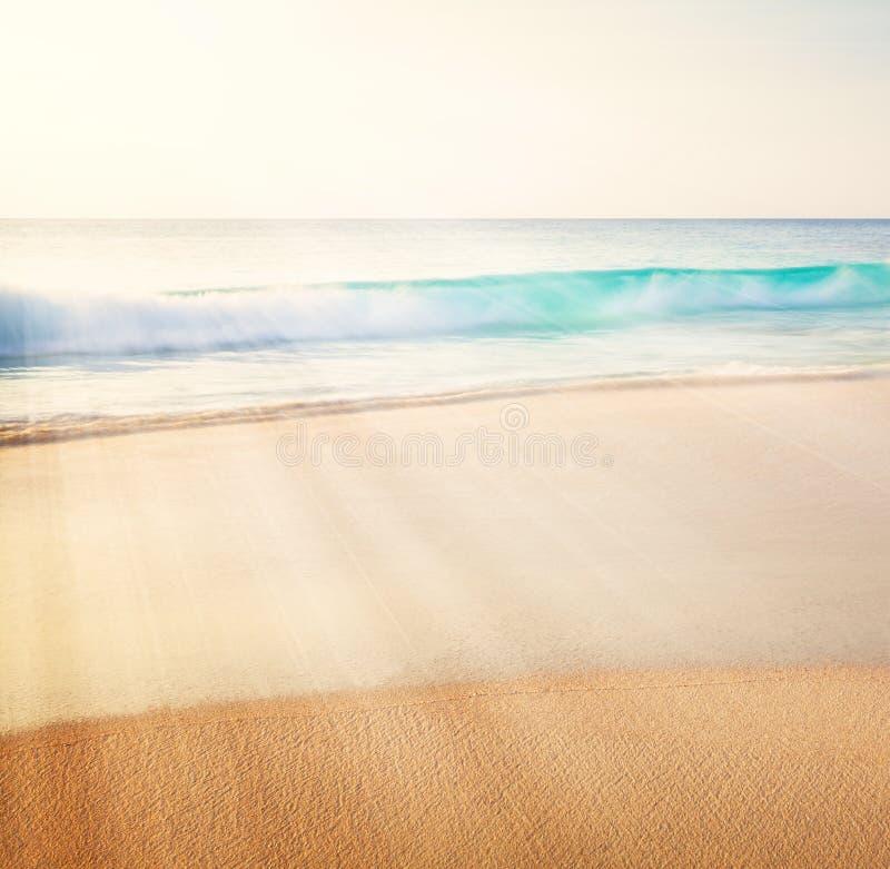 Uitstekende stijl overzeese strandachtergrond royalty-vrije stock afbeeldingen