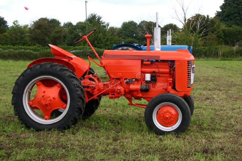Uitstekende tractor stock fotografie