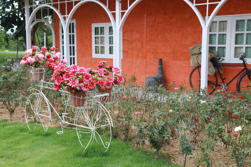 Uitstekende tuin stock afbeeldingen