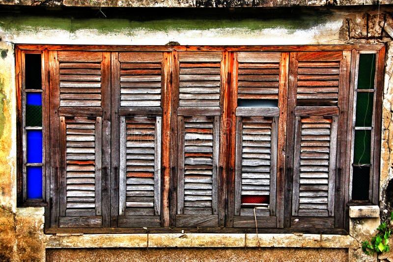 Uitstekende vensters stock foto