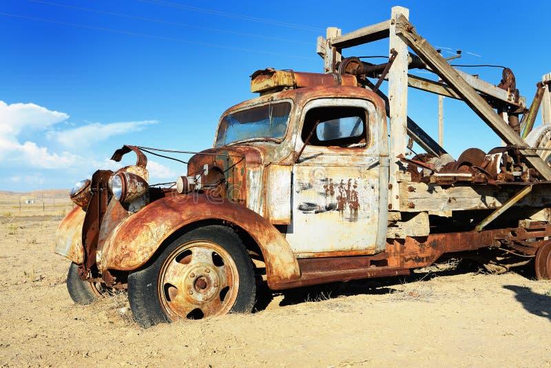 Uitstekende verlaten vrachtwagen royalty-vrije stock fotografie