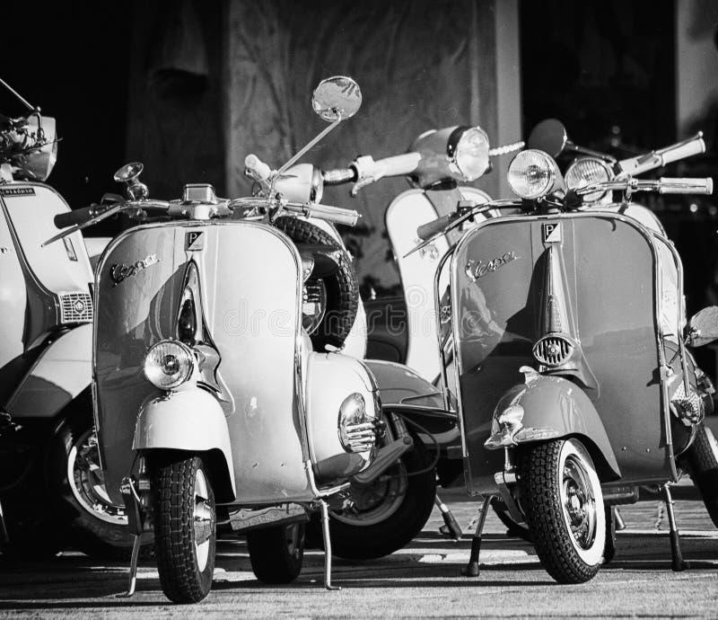 Uitstekende Vespa Piaggio stock afbeeldingen