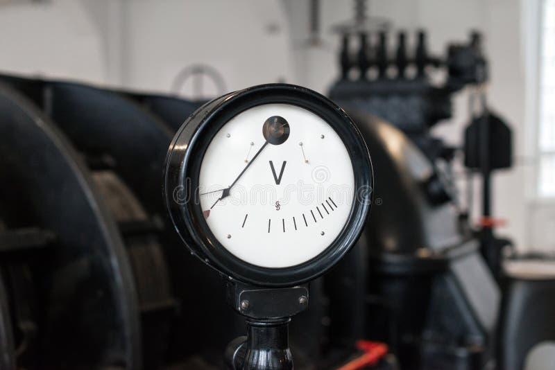 Uitstekende voltmeter royalty-vrije stock foto's