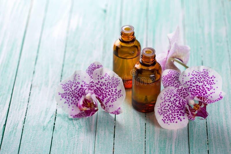 Uittreksel van orxidbloemen stock afbeelding