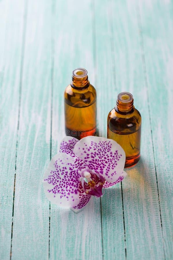 Uittreksel van orxidbloemen stock foto