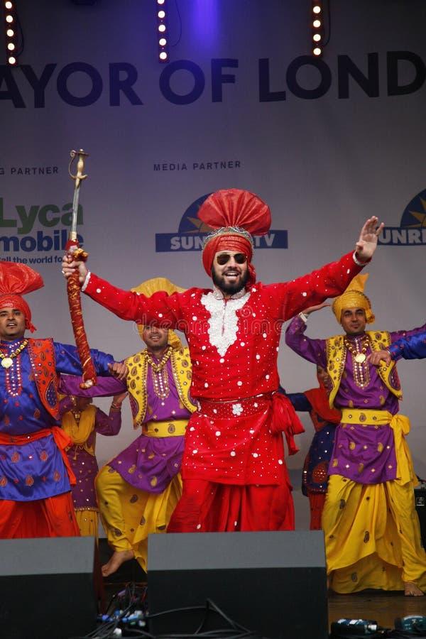 Uitvoerders bij het Festival Visakhi van 2012 stock afbeeldingen