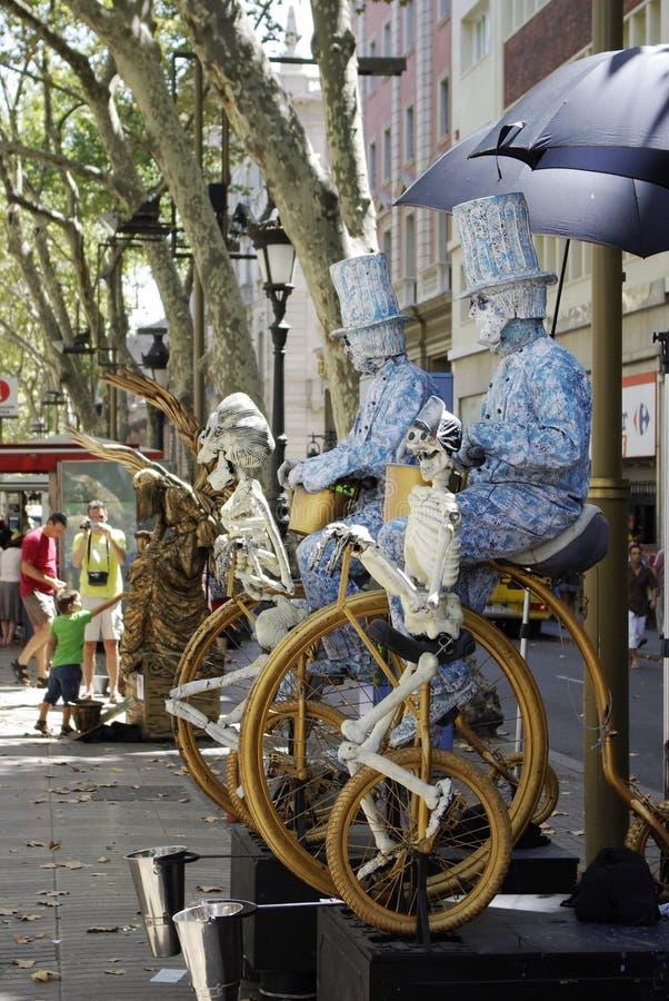 Uitvoerend kunstenaars alon La Rambla, in Barcelona, Spanje stock foto's