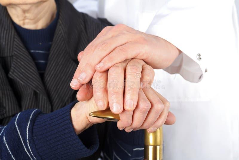 Geriatrie en bejaarde zorg stock afbeelding