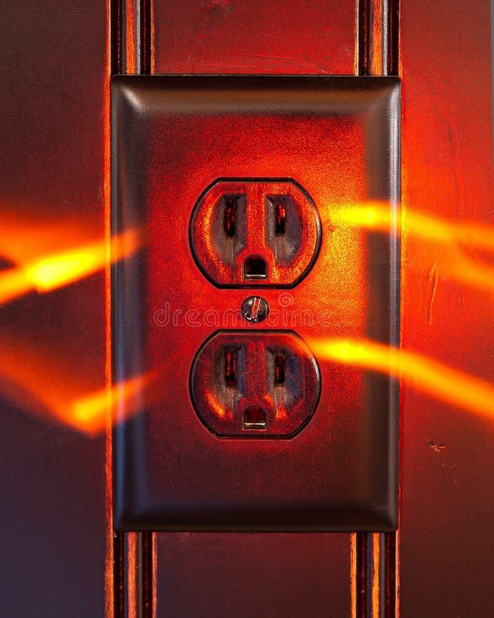 Ujście z smugami emituje od stron pokazuje energię ogień zdjęcia stock