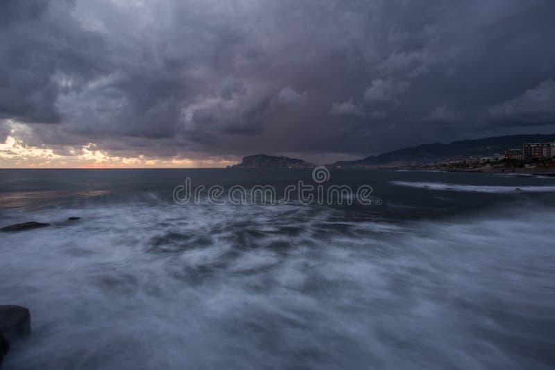 ujawnienia długi seascape zmierzch zdjęcie stock