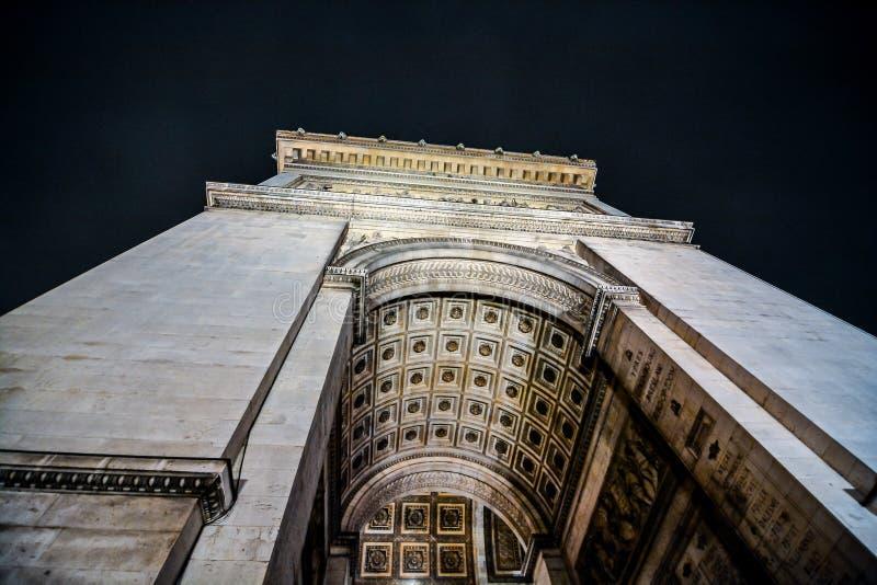 ?uk De Triomphe przy noc?, fotografia wizerunek Pi?kny panoramiczny widok Paryski Wielkomiejski miasto obraz stock