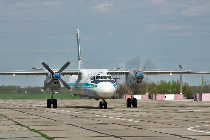 Ukraińska siły powietrzne An-26 zdjęcia stock