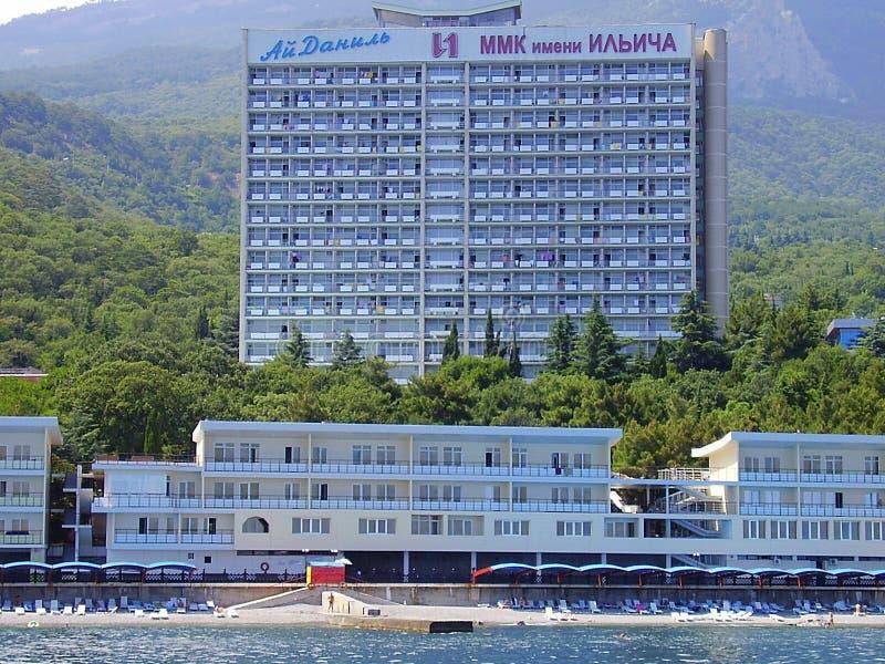 Ukraina Krim, 2010, Gurzuf, Artek, Crimean berg, Yalta, Black Sea, semesterort, strand, återställning royaltyfria foton