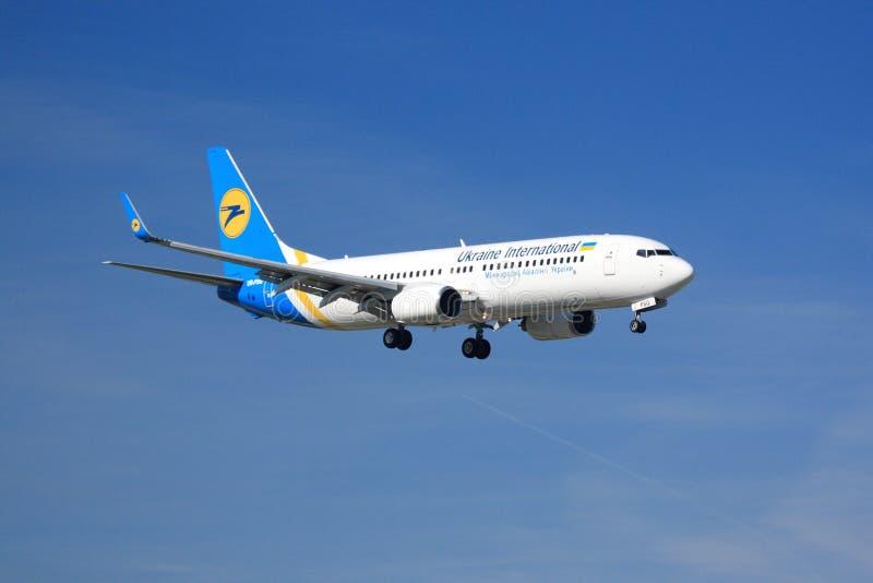 Ukraina Międzynarodowy Boeing 737 obraz royalty free