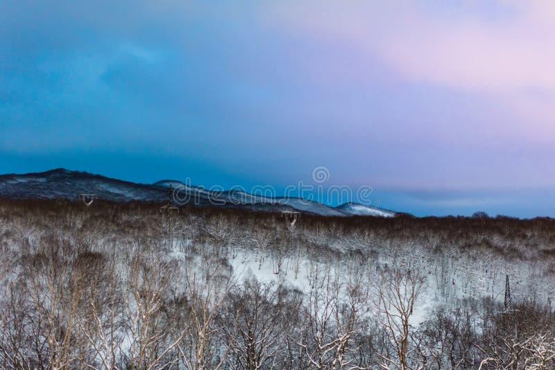 ukraine för dragobratliggandeberg vinter Kamchatka halvö royaltyfri foto