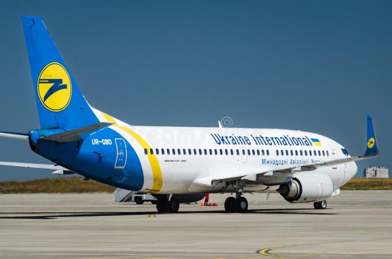 Ukraine International Airlines Boeing 737 arkivbilder