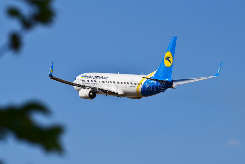 Ukraine International Airlines Boeing 737 obraz stock