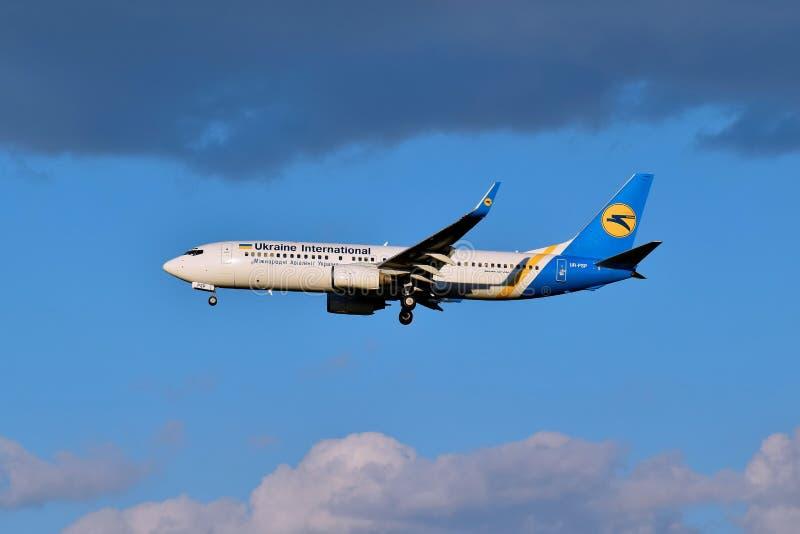 Ukraine International Airlines Boeing 737 obrazy royalty free