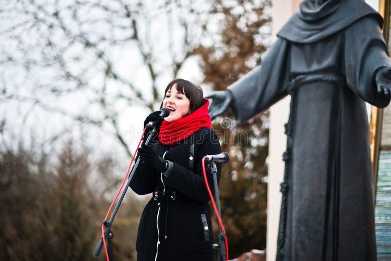 ukraine LVIV - JANUARI 14, 2016: Juljulkrubba fotografering för bildbyråer
