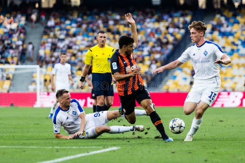 Ukrainischer erster Ligaspiel-Dynamo Kyiv - Shakhtar Donetsk, A stockfotografie