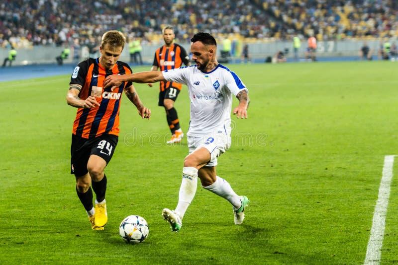 Ukrainischer erster Ligaspiel-Dynamo Kyiv - Shakhtar Donetsk, A lizenzfreie stockbilder