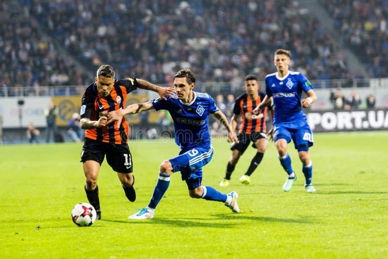 Ukrainischer erster Ligaspiel-Dynamo Kyiv - Shakhtar Donetsk, M stockbilder