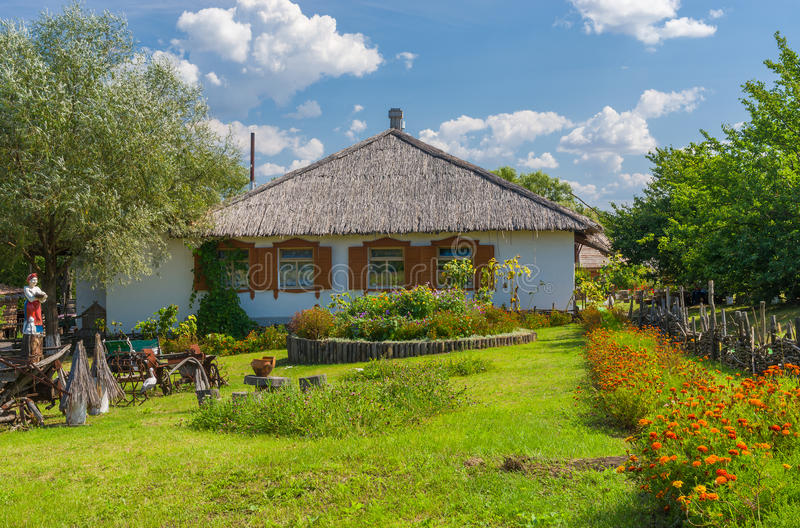 Ukrainsk lantgård-stead nära den Dikan'ka byn arkivbild