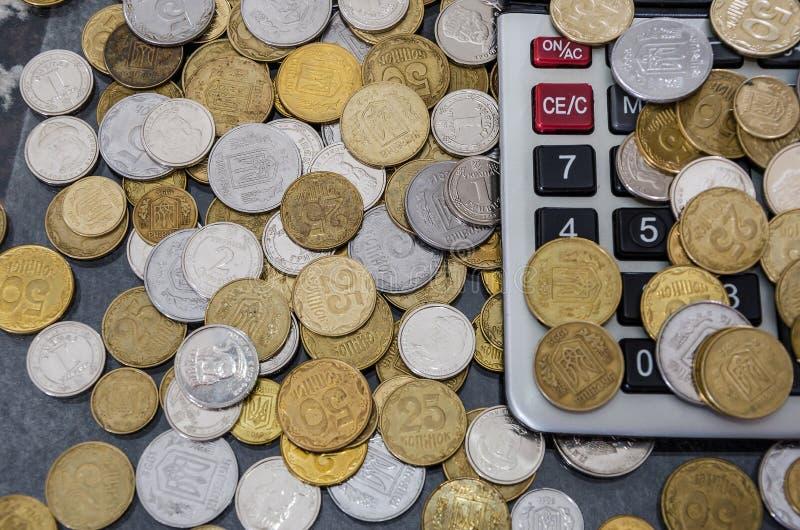 Ukrainska mynt på räknemaskinen N?rbild ovanf?r sikt arkivbilder