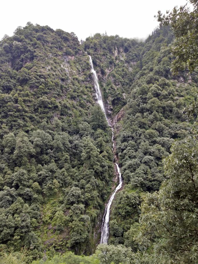Ulala del lanzamiento de la belleza de la montaña fotografía de archivo libre de regalías