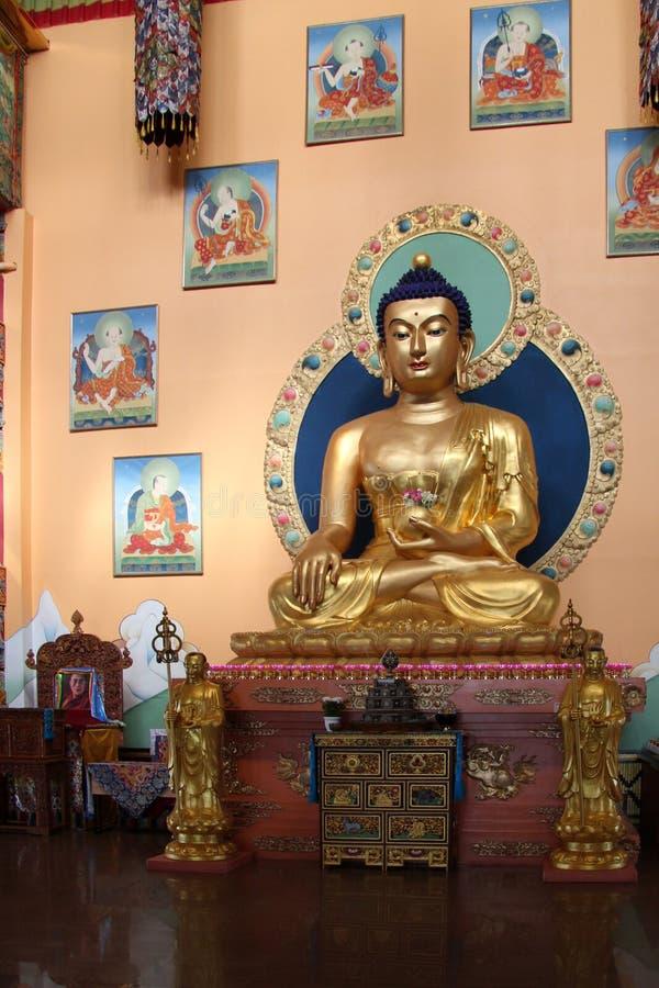 Ulan-Ude, R?ssia, 03 15 Est?tua 2019 da Buda em uma igreja budista Rinpoche Bagsha imagem de stock