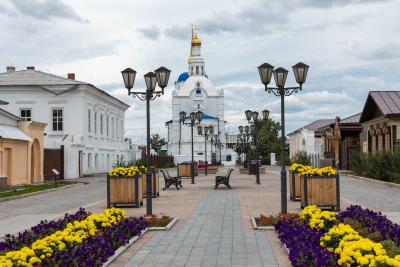 ULAN UDE, RUSLAND - SEPTEMBER 06, 2019: Kathedraal van Onze Vrouwe van Smolensk of de kathedraal van Odigitrievsky in Ulan Ude, R stock foto's