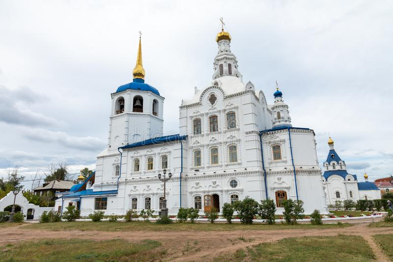 ULAN UDE, RUSSLAND - SEPTEMBER 06, 2019: Kathedrale von Smolensk oder Kathedrale von Odigitrievsky in Ulan Ude, Russland lizenzfreie stockfotos