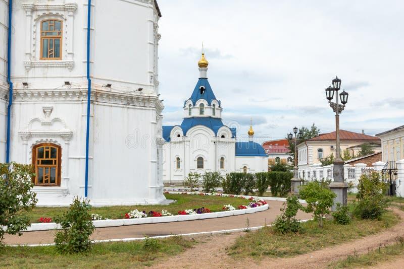 ULAN UDE, RUSSLAND - SEPTEMBER 06, 2019: Kathedrale von Smolensk oder Kathedrale von Odigitrievsky in Ulan Ude, Russland lizenzfreies stockbild