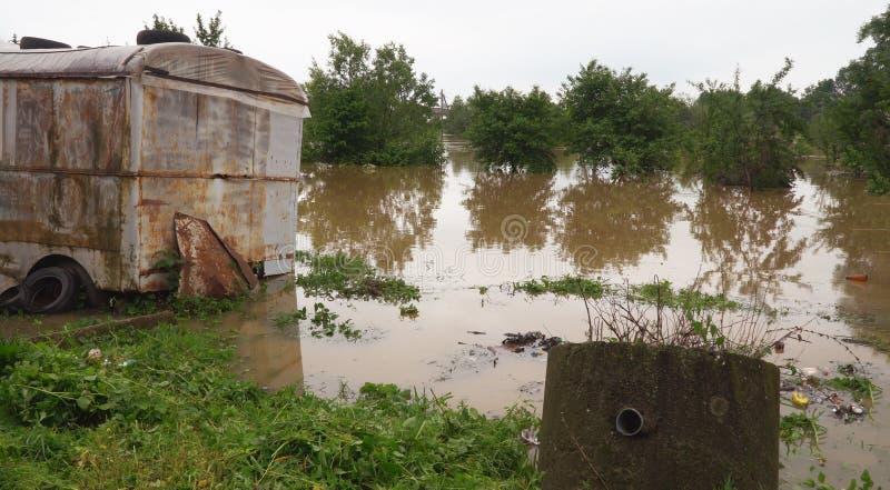 Ulewni deszcze w Środkowy Zachód tworzyli wylew i opóźniających rolników obraz stock