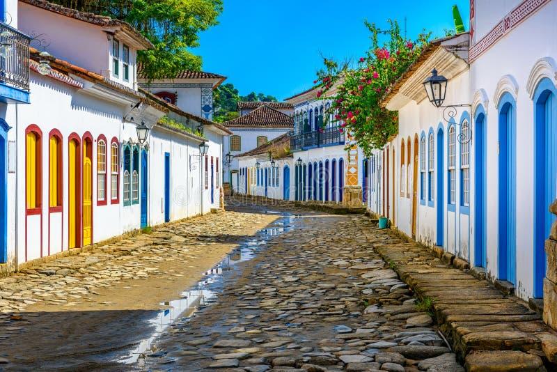 Ulica dziejowy centrum w Paraty, Rio De Janeiro, Brazylia fotografia stock