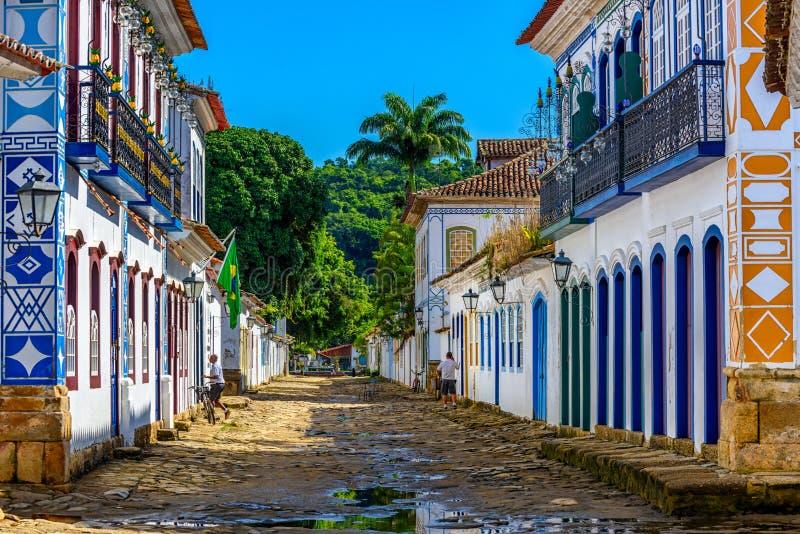 Ulica dziejowy centrum w Paraty, Rio De Janeiro, Brazylia obrazy stock