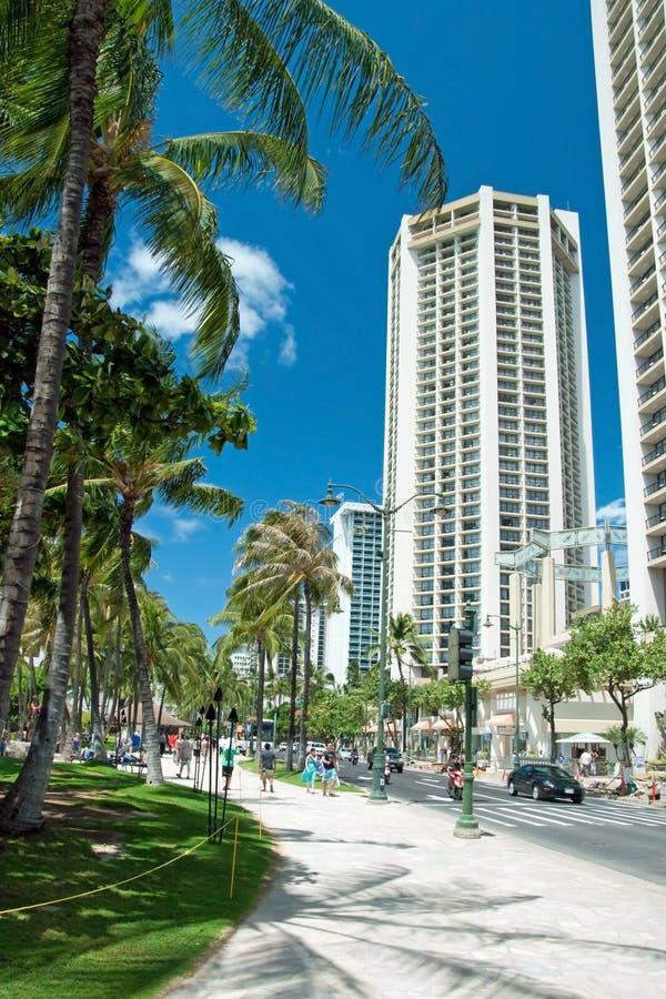 Ulica Honolulu blisko do Waikiki plaży na Oahu wyspie Hawaje obraz royalty free