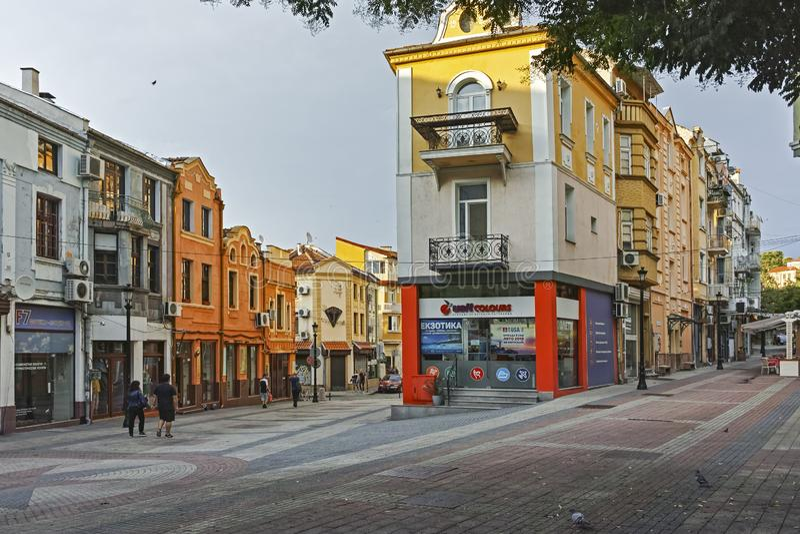 Ulica i domy w gromadzkim Kapana, miasto Plovdiv, Bułgaria zdjęcia stock