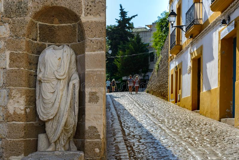Ulica i szczegóły starego miasta Ibiza fotografia stock