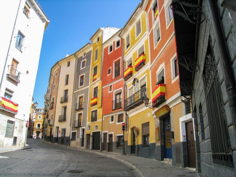 Ulica kolorowi domy w Cuenca mieście obrazy royalty free