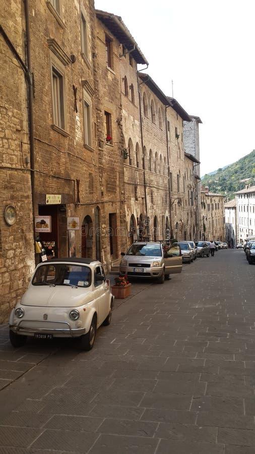Ulica miasto Gubbio, Umbria Włochy fotografia stock