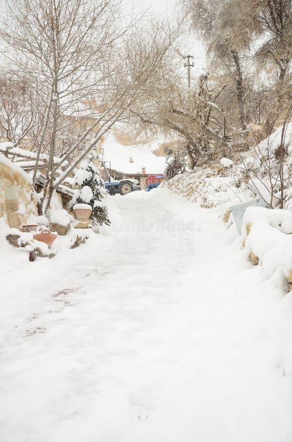 Ulica pod śniegiem w zimie obrazy royalty free