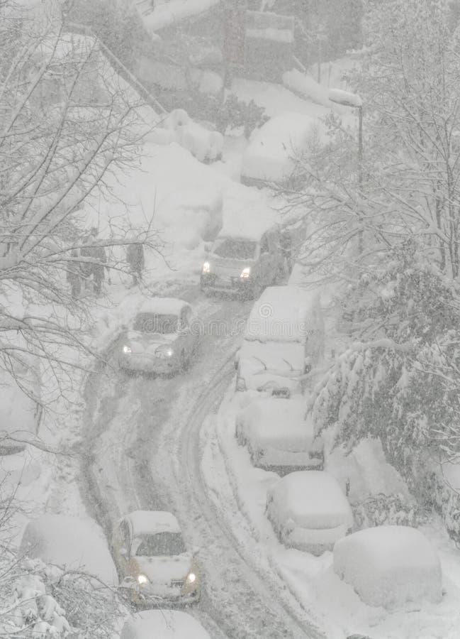 Ulica pod śniegiem w zimie fotografia royalty free