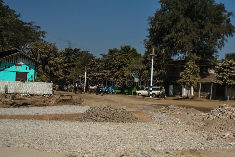 Ulica przecinający Myanmar fotografia stock