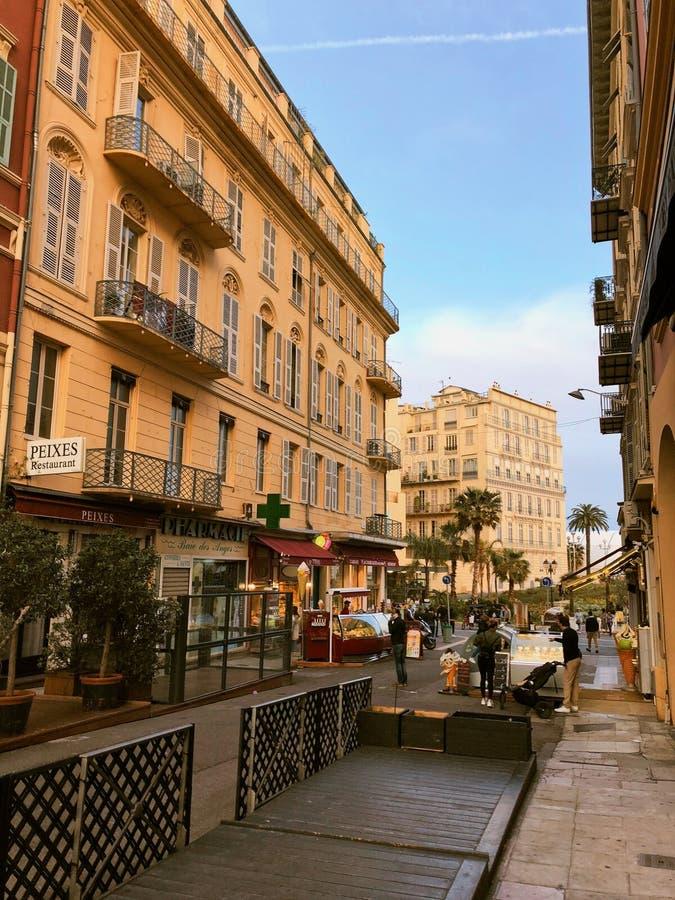 Ulica przy noc? ?adn?, Francja zdjęcia royalty free