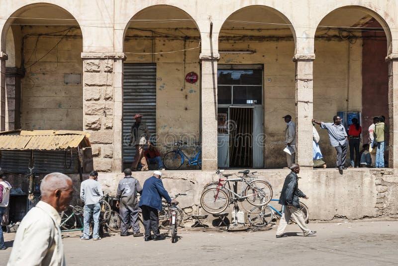 Ulica w środkowym targowym terenie Asmara miasto Eritrea fotografia royalty free